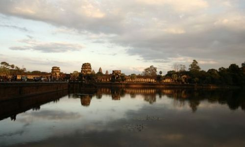 Zdjęcie KAMBODżA / Angkor / Angkor  / zachod slonca nad Angkor Wat