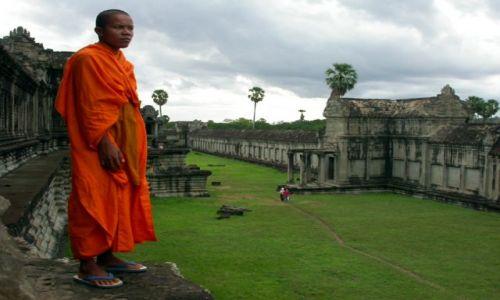 Zdjecie KAMBODżA / brak / angkor wat / mnich