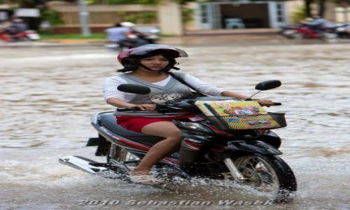 Zdjecie KAMBODżA / Siem Reap Province / Siem Reap / Ulice po wylaniu rzeki.