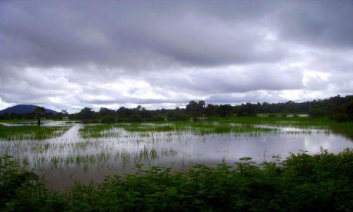 Zdjęcie KAMBODżA / okolice Siem Reap / okolice Siem Reap / krajobraz po ulewie