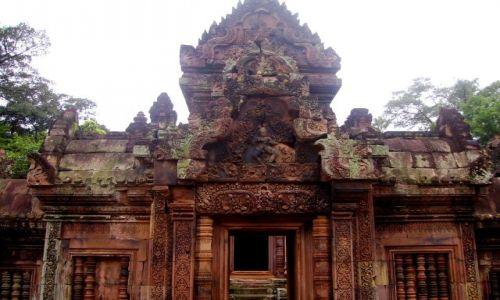 Zdjęcie KAMBODżA / okolice Siem Reap / świątynia Banteay Srei / wejście do światyni Banteay Srei