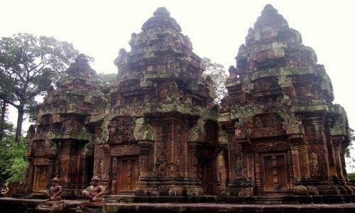 Zdjęcie KAMBODżA / okolice Siem Reap / świątynia Banteay Srei / Cytadela Kobiet - Banteay Srei