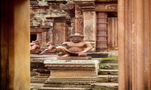 Zdjęcie KAMBODżA / okolice Siem Reap / świątynia Banteay Srei / zgłębić tajemnicę........