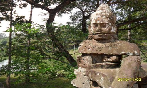 Zdjęcie KAMBODżA / angkor wat / kambodza / twarz z przeszlosci