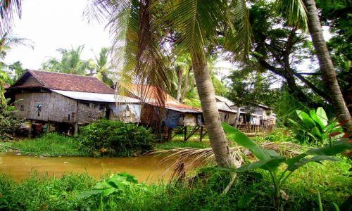 Zdjęcie KAMBODżA / okolice Siem Reap / wioska w okolicy Siem Reap / wioska na palach