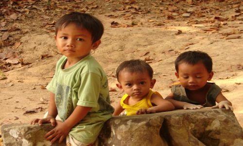 Zdjęcie KAMBODżA / brak / Angkor / Dzieci
