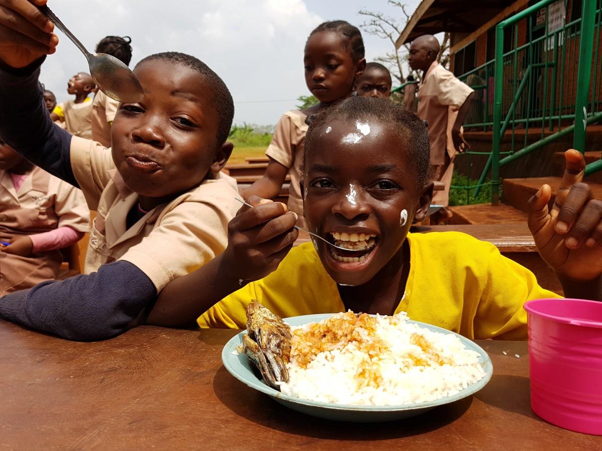 Zdjęcia: Abong-Mbang, Wizyta w szkole , KAMERUN