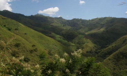 Zdjecie KAMERUN / Northwestern Prowince / Bamenda Highlands / Chmury nad wzgórzami