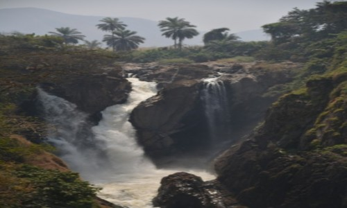 Zdjecie KAMERUN / Prowincja Północno-Zachodnia / Wum / Wodospad Mentchum