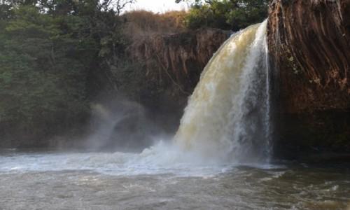 Zdjęcie KAMERUN / Prowincja Adamaoua / Ngaoundere / Wodospad la Vina