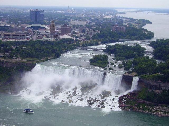 Zdjęcia: Niagara Falls, Ontario, panorama American Falls ze Skylon Tower, KANADA