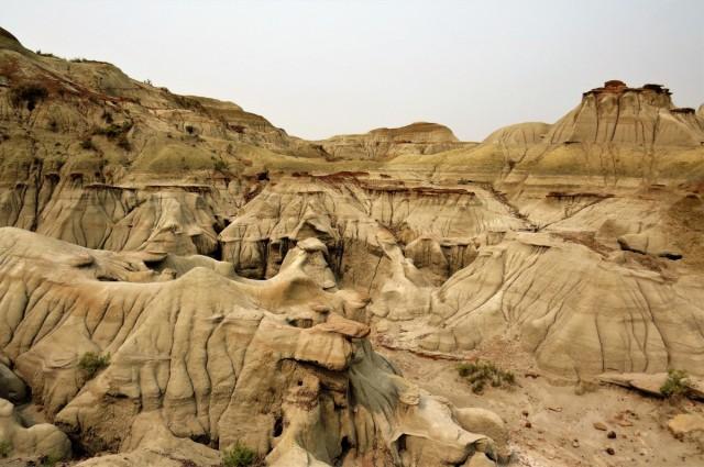 Zdjęcia: Prowincjonalny Park Dinozaurów, Alberta, Kolorowe skały, KANADA