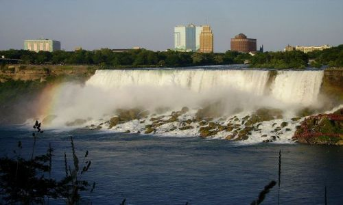 KANADA / Ontario / Niagara Falls / pierwsze spojrzenie na wodospady