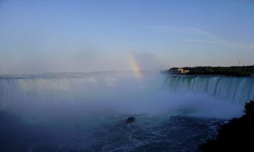 Zdjęcie KANADA / Ontario / Niagara Falls / tęcza nad Wodospadem Podkowy - kanadyjska strona