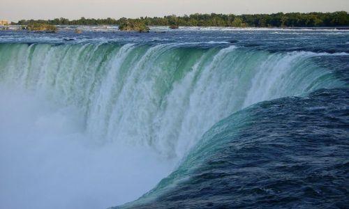 Zdjęcie KANADA / Ontario / Niagara Falls / fascynujący widok choć bardzo znany