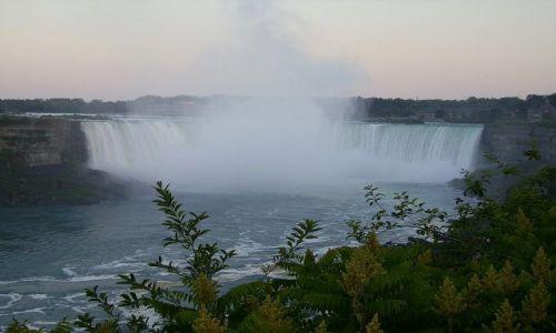 Zdjęcie KANADA / Ontario / Niagara Falls / widok od kanadyjskiej strony