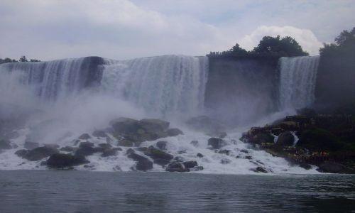 Zdjęcie KANADA / Ontario / Niagara Falls / widok na wodospad po amerykańskiej stronie