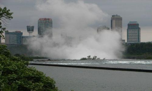 Zdjecie KANADA / - / Niagara / Wodospad Niagara widziany z góry rzeki od strony Kanady