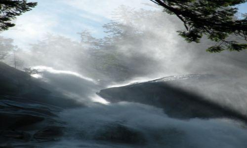 Zdjęcie KANADA / British Columbia / Shannon Falls Provincial Park / Jest moc