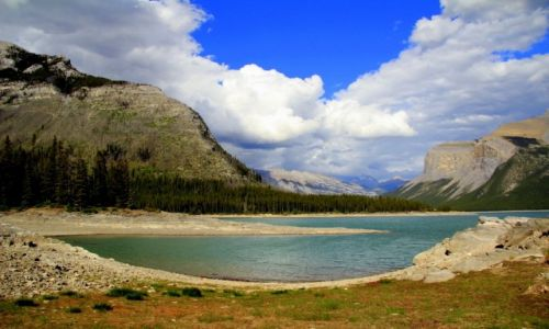 Zdjecie KANADA / Kolumbia Brytyjska / Minnewanka lake / Kolory Kanady