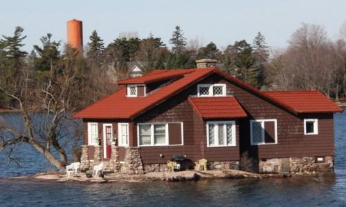 KANADA / Ontario / 1000 Islands / Dom na wyspie