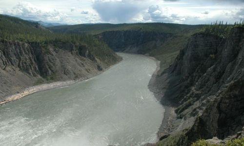 Zdjecie KANADA / NW territories / Nahanni river / 4ty kanion