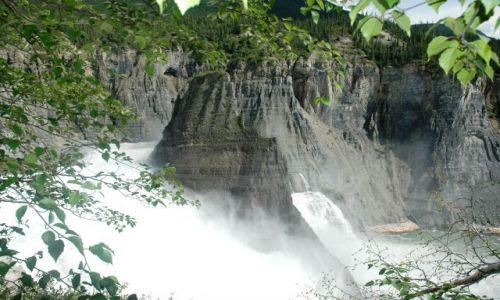 Zdjecie KANADA / NW territories / Nahanni / Falls