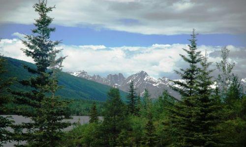 Zdjecie KANADA / NW territories / Nahanni /Rabbitkettle lake / Dolina Nahanni