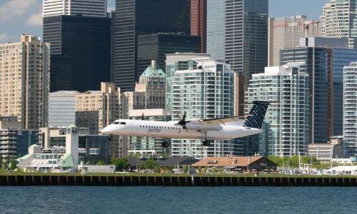 Zdjęcie KANADA / Ontario / Toronto Island - City Centre Airport / lądowanie