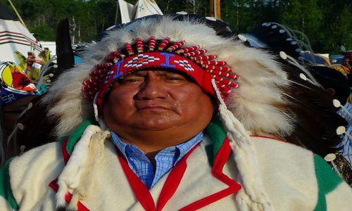 Zdjecie KANADA / Alberta / rezerwat tsutsina / indianie 5
