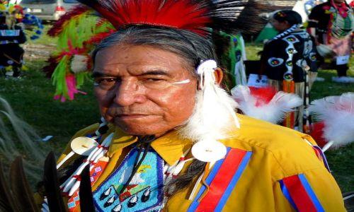 Zdjecie KANADA / Alberta / rezerwat tsutsina / indianie 7