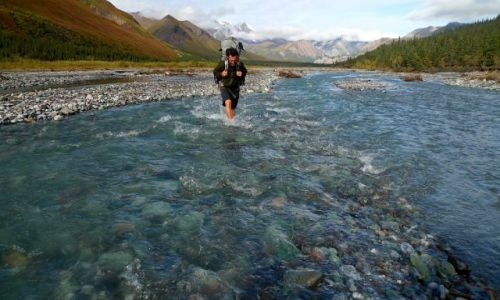 Zdjecie KANADA / Yukon / Kluane  / crossing river