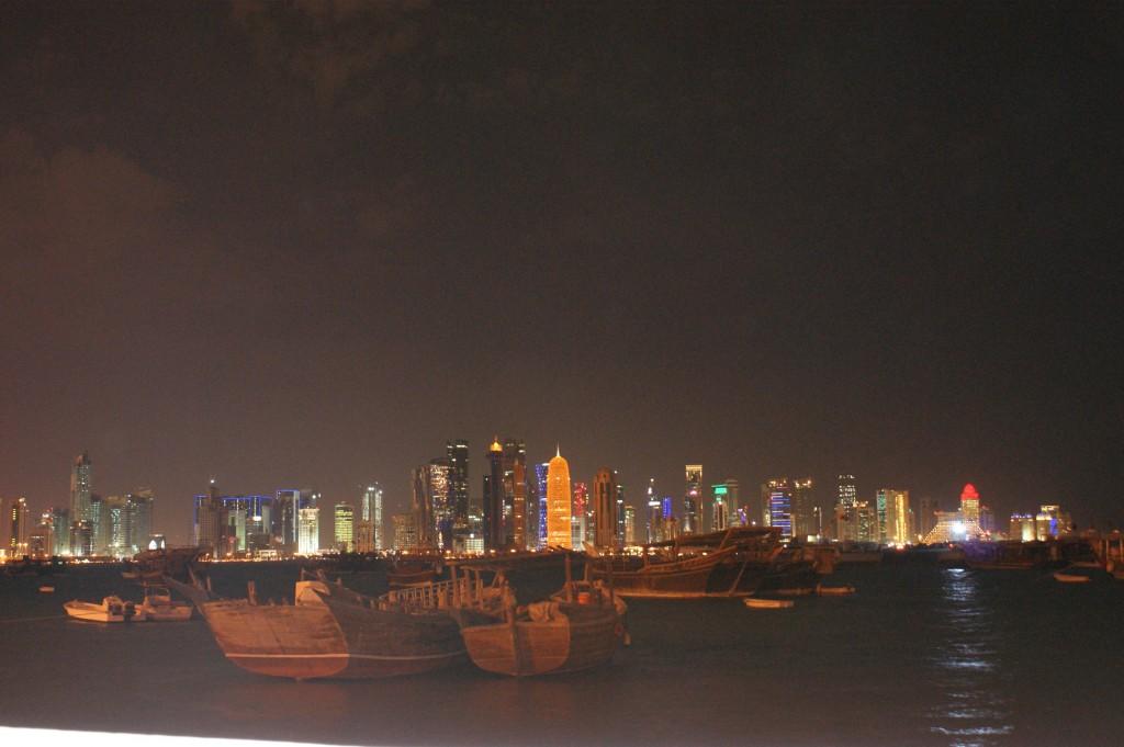 Zdjęcia: Doha, Stare statki  z nowoczesnością , KATAR