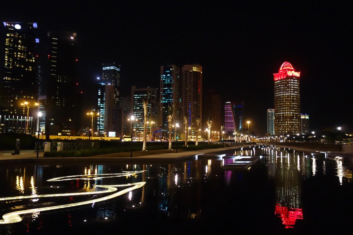 Zdjęcia: Doha, wschodnia część Półwyspu Arabskiego, Doha nocą, KATAR
