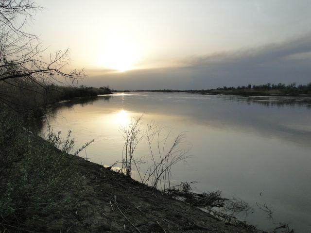 Zdjęcia: rzeka Ili, Pł.Kaz, Nad rzeką Ili, KAZACHSTAN