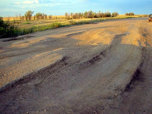 Zdjęcia: Aktiubińsk, Koleiny na międzynarodowej drodze, KAZACHSTAN
