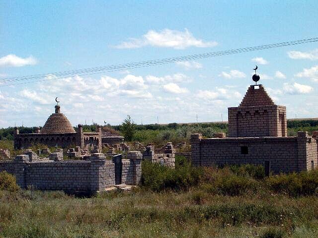 Zdjęcia: Aralsk, Typowy islamski cmentarz w Kazachstanie, KAZACHSTAN