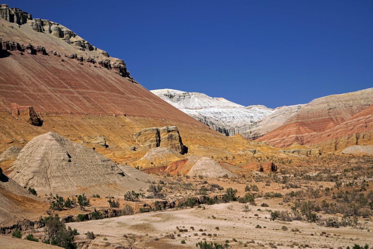 Zdjęcia: Alatau, płd. Kazachstan, Ałmatynska obłast, Kolorowe góry, KAZACHSTAN