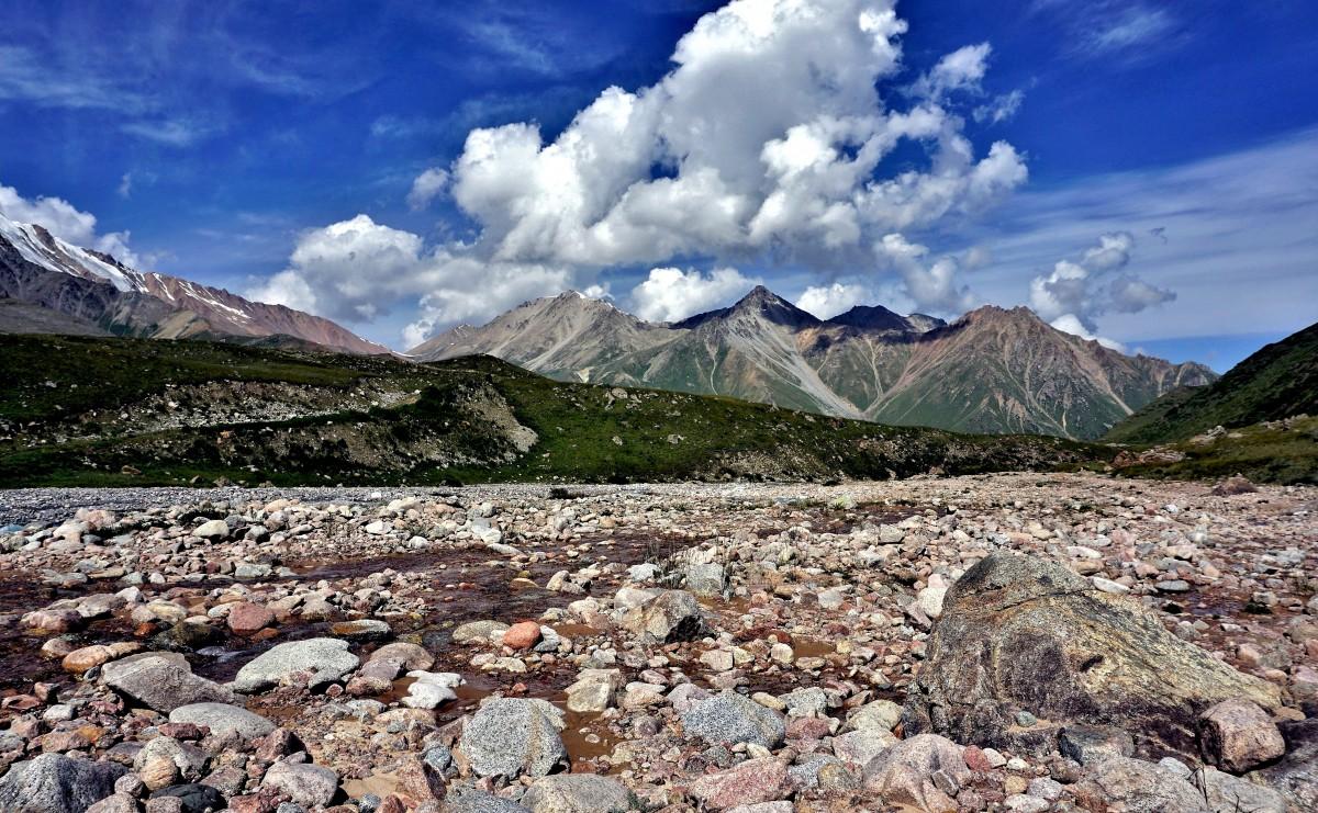 Zdjęcia: Po drugiej stronie przełęczy Turystów, Tien Szan, Pasmo górskie Ałatau Zailijski, KAZACHSTAN