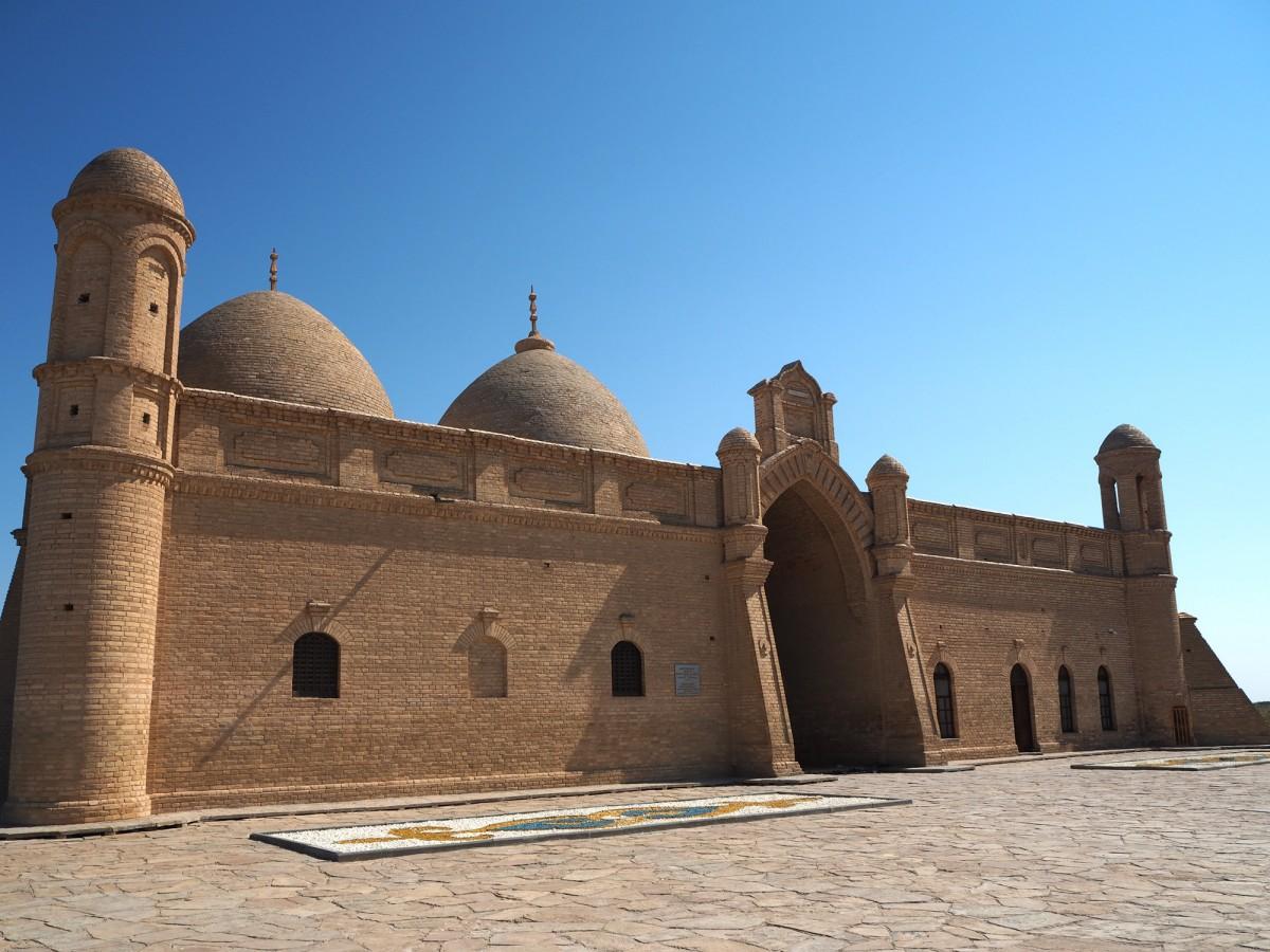 Zdjęcia: Otrar, płd. Kazachstan, Mauzoleum Arystan Bab, KAZACHSTAN