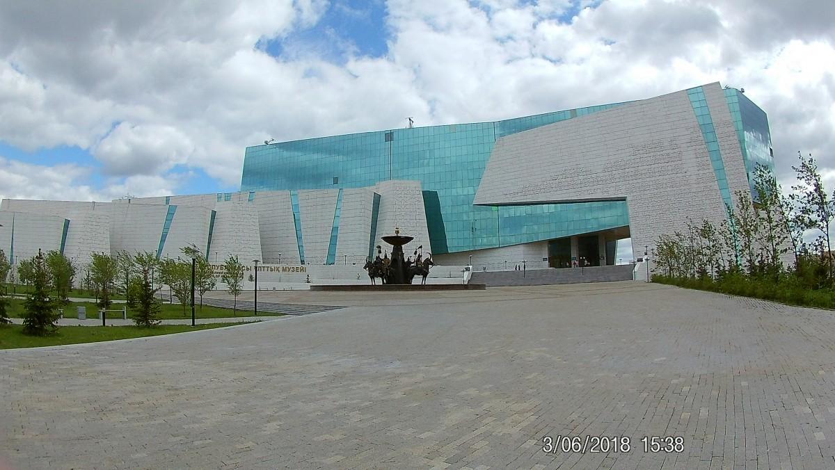 Zdjęcia: Centrum Astany, Astana, Nowoczesnosc i historia, KAZACHSTAN
