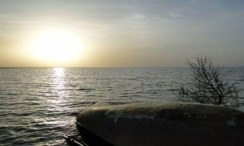 Zdjecie KAZACHSTAN / - / jez.Kapczagaj / Zachód słońca nad Kapczagajem
