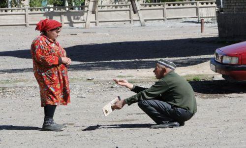 Zdjecie KAZACHSTAN / Czunża / ulica..... / O co Ci kobieto chodzi......