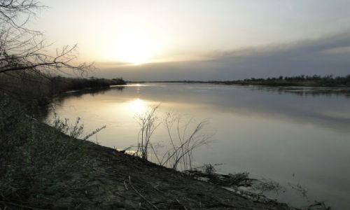 Zdjecie KAZACHSTAN / Pł.Kaz / rzeka Ili / Nad rzeką Ili