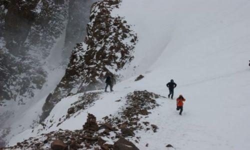Zdjęcie KAZACHSTAN / Medeo / Medeo / Ucieczka przed lawiną