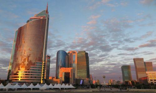 Zdjecie KAZACHSTAN / Akmola / Astana / Astana-kazachski Dubaj