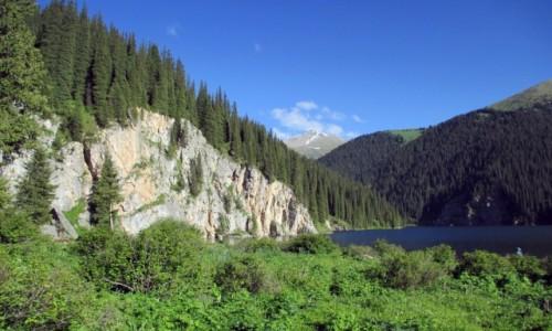 Zdjęcie KAZACHSTAN / Południowy-wschód / Tienszan, jeziora Kolsai / Urwisko