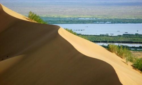 Zdjęcie KAZACHSTAN / Południowy-wschód / Ałtyn Emel / Kurhan Czyngis Chana