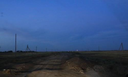 Zdjecie KAZACHSTAN / płn. Kazachstan / Droga od granicy w Ozinkach do Uralska / Tu TEŻ jest asfalt :) - dla Seni...
