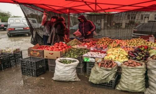 Zdjecie KAZACHSTAN / okręg karagandzki / Ayagoz / Na bazarze w Ayagoz